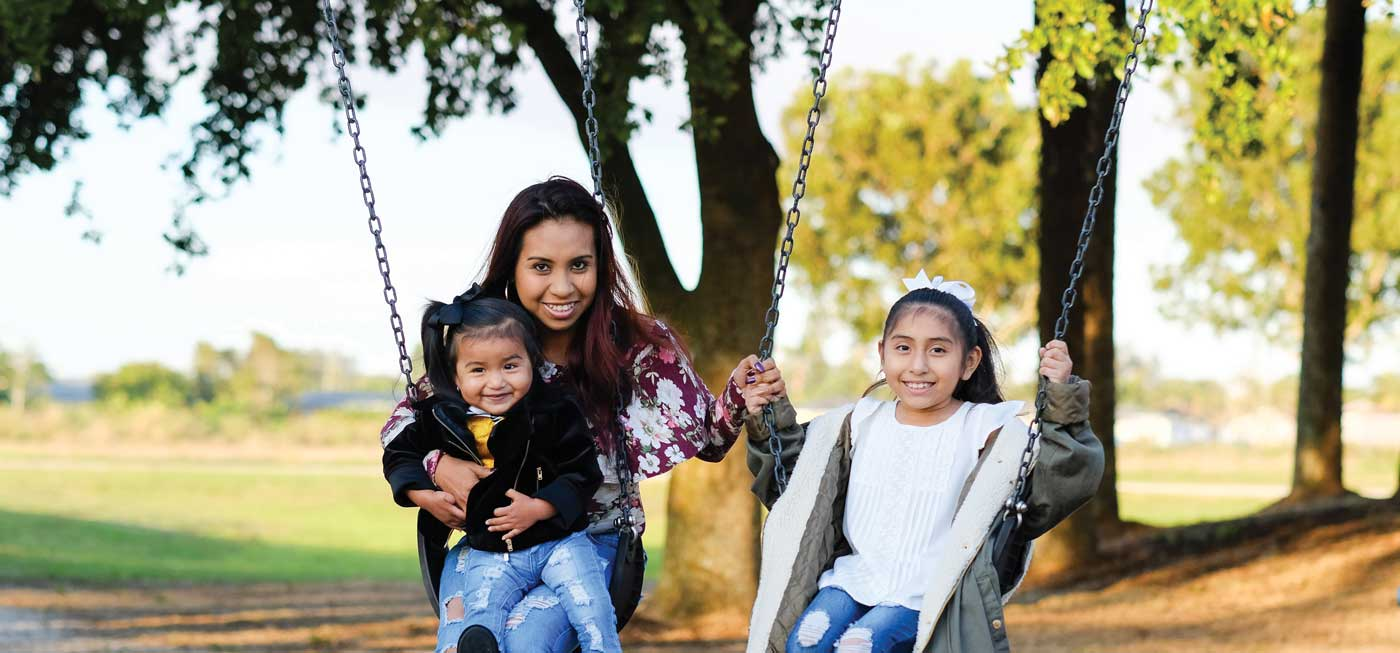 Jessica Serrano and 2 daughters
